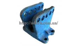 Кронштейн центральной тяги Т25-4628523 (сталь)